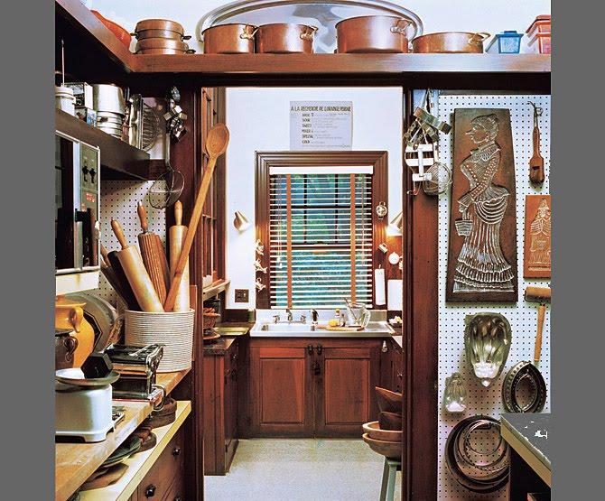 [julia+kitchen]
