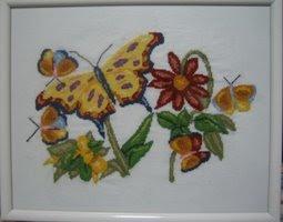 Ricami d 39 autore fiori e farfalle a punto croce for Punto croce fiori e farfalle