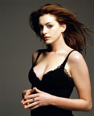Anne Hathaway Sexy Picture