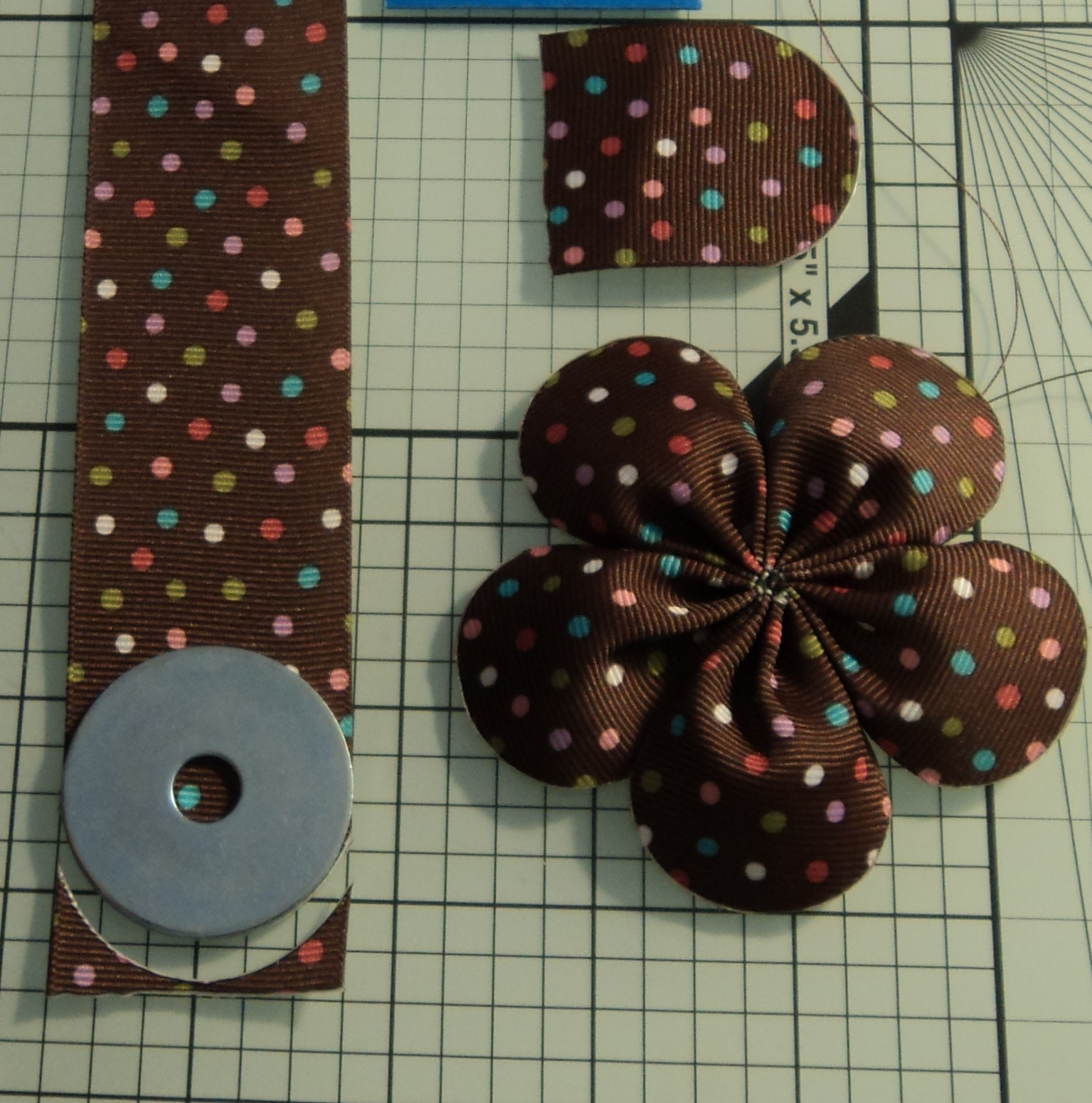Ribbon Flowers by MakeBowsandMore.com: Rounded End Five ...
