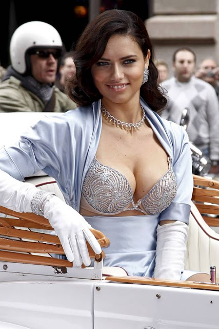 Adriana Lima in a $2 Million Fantasy Bra Pictures