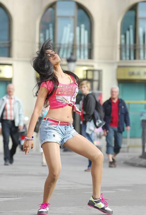 shriya saran posing hot photoshoot