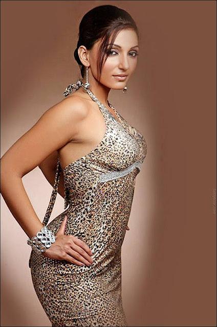 Gorgeous Miss Elegant  Navina Bole Photoshoot unseen pics