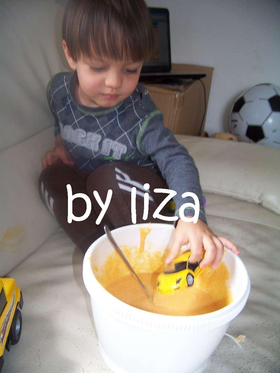Liza Delirantemente Feliz Bolo De Cenoura Ou Bolo De Carrinhos
