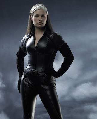 Anna Paquin sexy images photos
