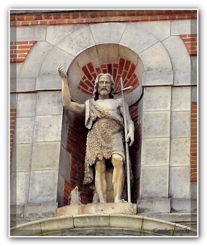 Jésus sur l'Eglise de Fontainebleau