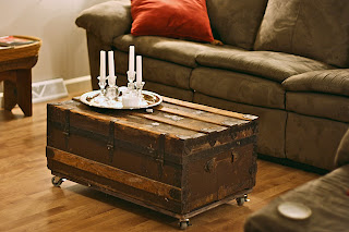 If you aim at nothing you 39 ll hit it every time junk in for How to turn a trunk into a coffee table