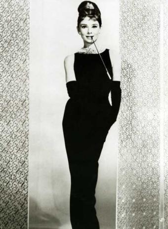 Por y para la moda el vestido negro - Audrey hepburn cuadros ...