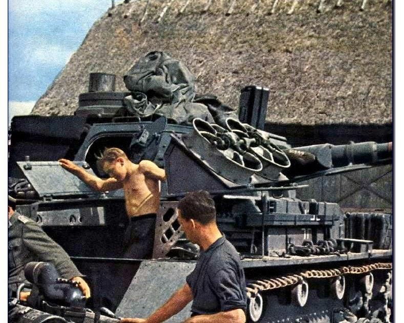 ILLUSTRATED HISTORY: RELIVE THE TIMES: Images Of War