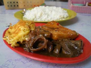 午餐滴猪杂,炒蛋和腐皮,共马币3元5角!