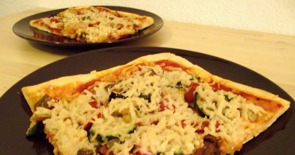 schnelle vegane pizza mit gegrilltem gem se vegane rezepte auf laubfresser. Black Bedroom Furniture Sets. Home Design Ideas
