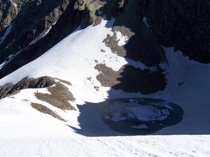 Roopkund trek: Roopkund frozen