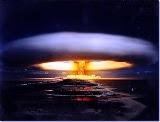 """I lovve Nuclear !"" Greenpeace"