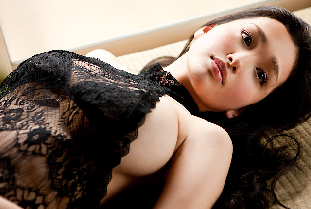 Hot Model Japanese Babe