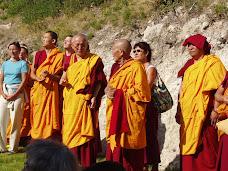 Moines et nonnes de Rabten Choeling, lors de l'inauguration du centre à Sanary, septembre 2007