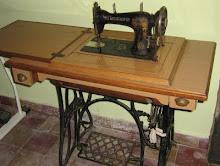 Máquina de coser (a pedal)