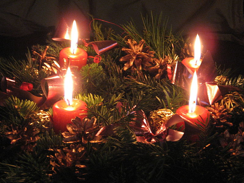 New liturgical movement customs of advent the advent wreath - Table pour noel decoration ...