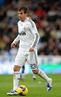 bursa transfer pemain Rafael Van der vaart, zona bola, gosip bola terbaru, jadwal pertandingan sepak bola oropa dan champion