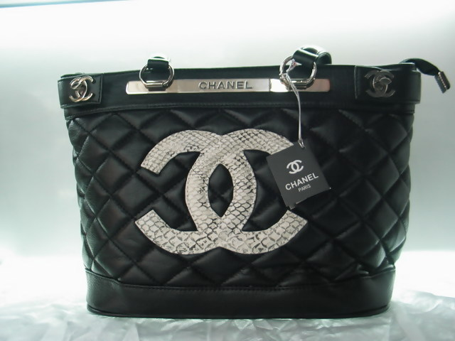 chanel wallets replica for cheap chanel 1112 handbags outlet for sale 5794bfeb2d35a