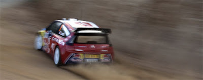 [Clic para agrandar - Sébastien Loeb a fondo en Córcega]