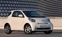 [Toyota iQ - Clic ver en alta definición -automOndo.com.ar]