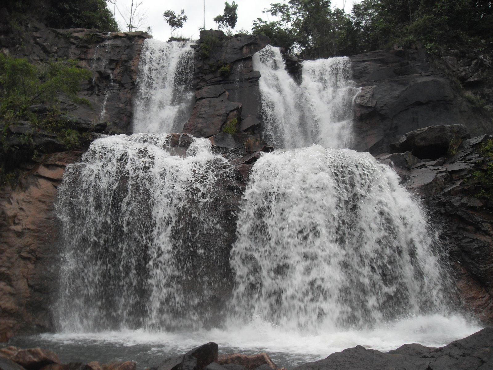 Cachoeira da Pedra ou Granito, Caroebe -Roraima, fonte: blogdodiouro