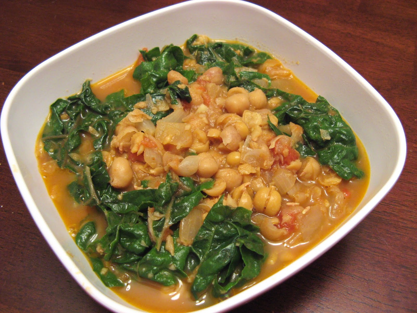 The Well-Fed Newlyweds: Moroccan Spiced Chickpea Soup