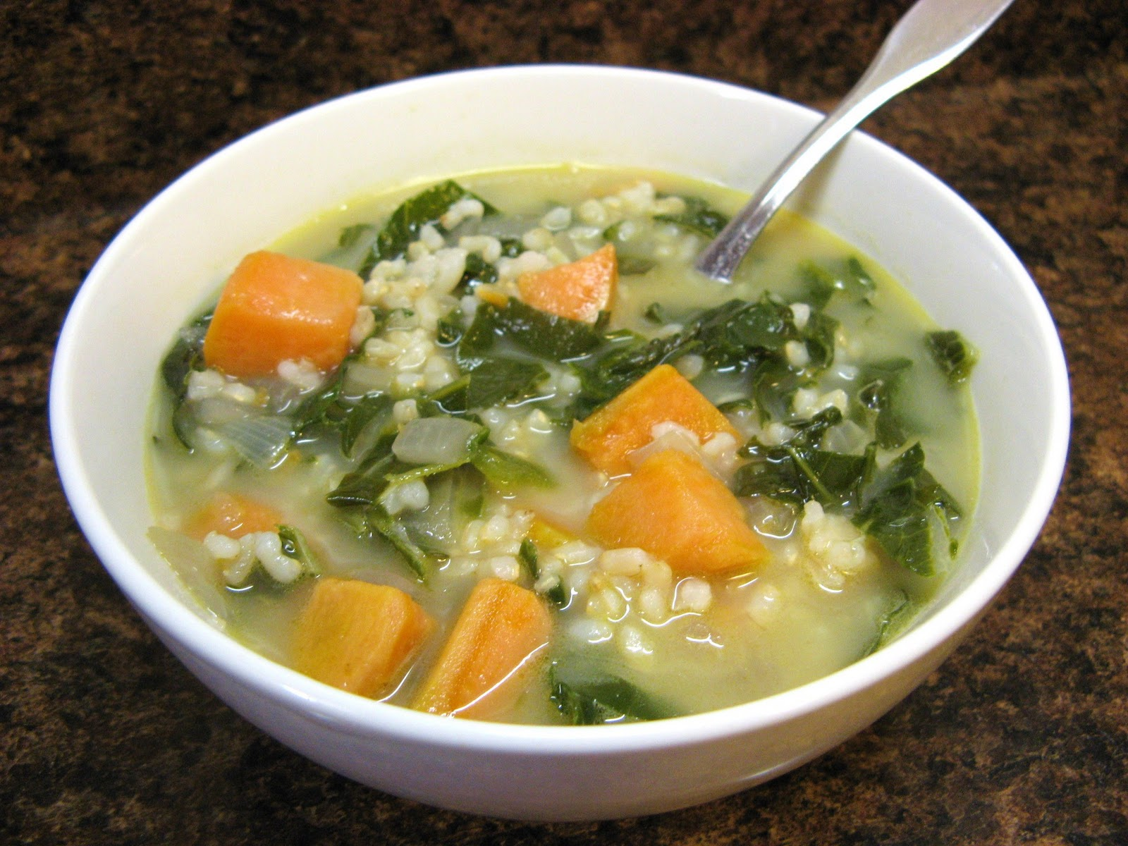 The Well-Fed Newlyweds: Island Kale and Sweet Potato Soup