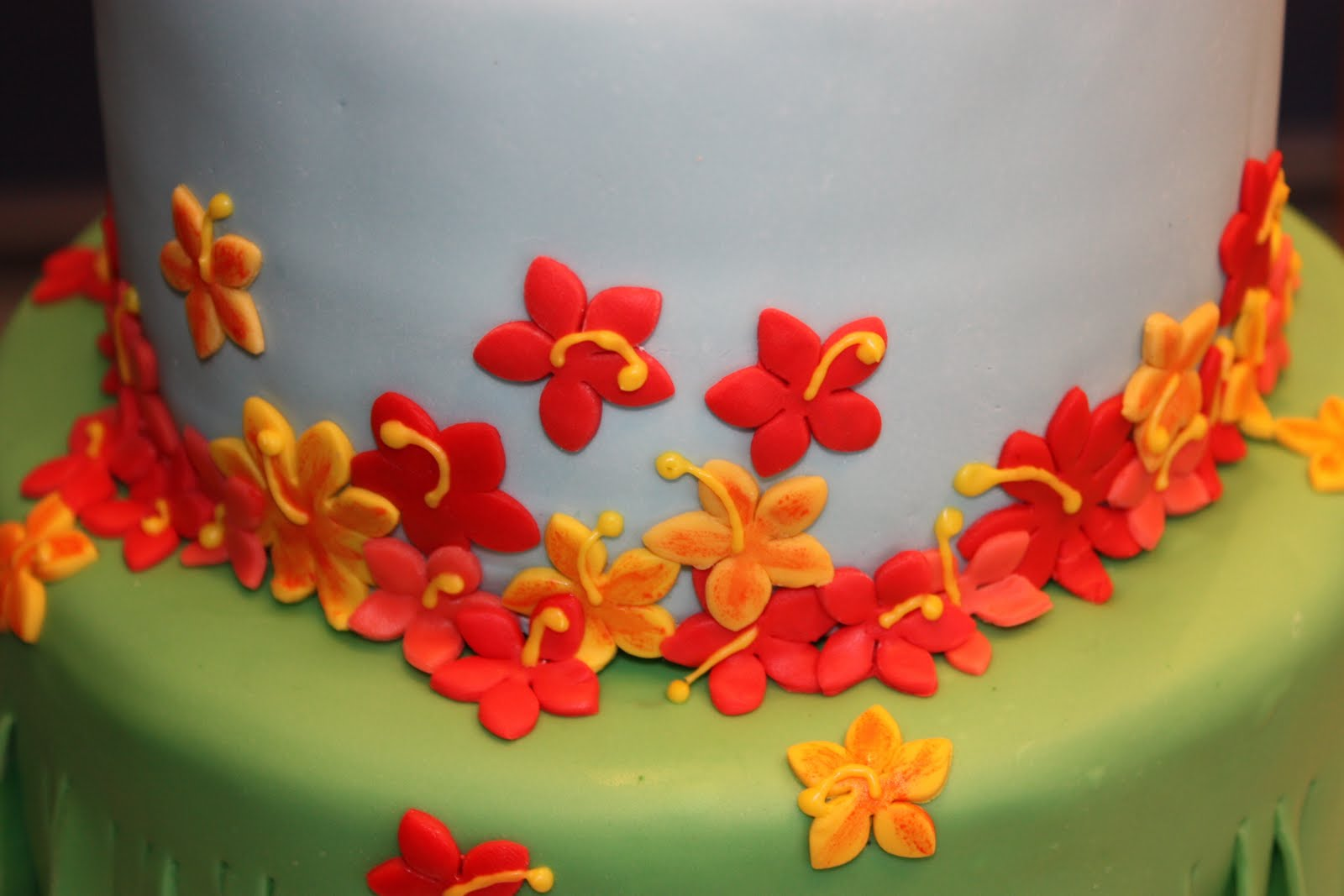BeNi Cakes Hawaiian Birthday Cake