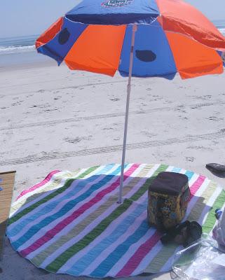 Beach Essentials Blanket DIY