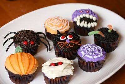 Halloween cupcake ideas recipes for Halloween mini cupcake decorating ideas