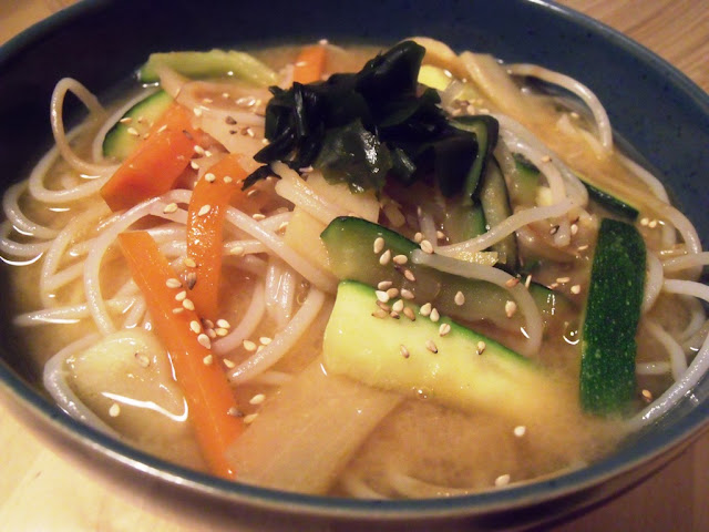 Cherry Blossom's Table: Miso Soba Soup - * - Miso Soba Suppe