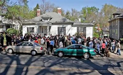 Protesters at 610 N. Buchanan Blvd. April 9, 2006