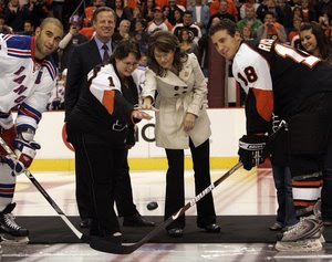 Gov. Sarah Palin drops puck at Rangers-Flyers hockey game on Oct. 11, 2008