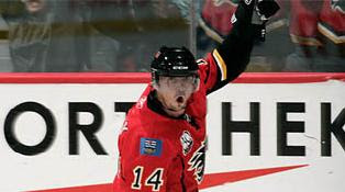 Theo Fleury scores shootout winner for Flames
