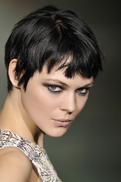 hairstyles 2011 short for women. short hair styles 2011 for
