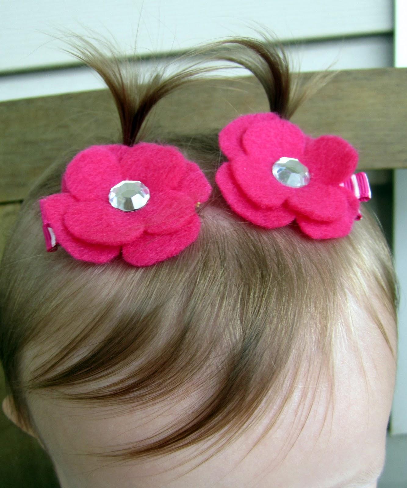 Pretty Lil' Posies: Felt Flower Clips Tutorial
