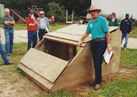Farrowing Huts For Sale http://thebeginningfarmer.blogspot.com/2009/02/portable-swine-farrowing-buildings.html