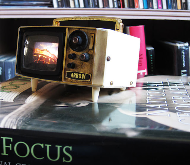 Radio Slide Viewer. Photograph by Tim Irving