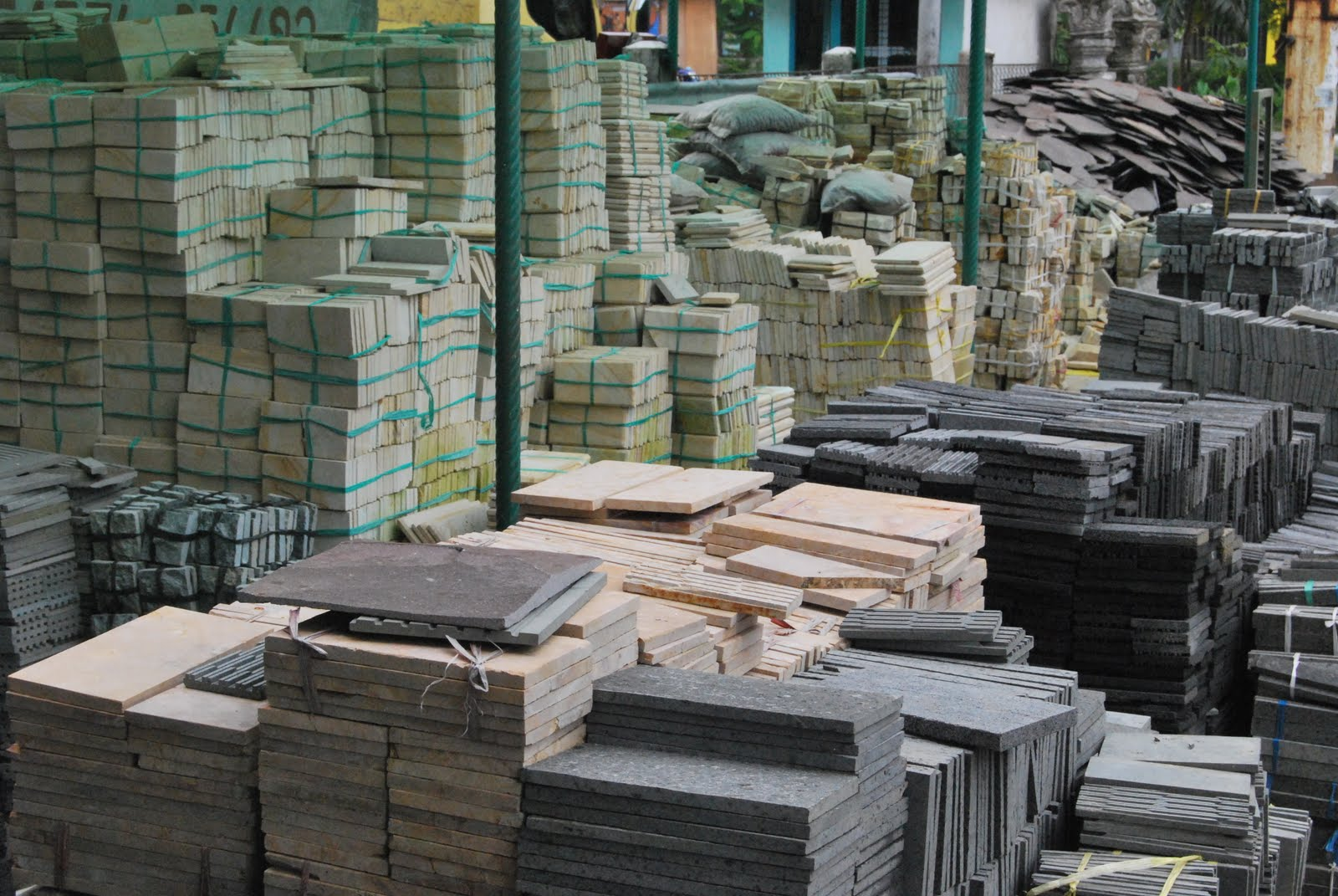 majalah dahsyat palembang eksotis batu alam penghias griya