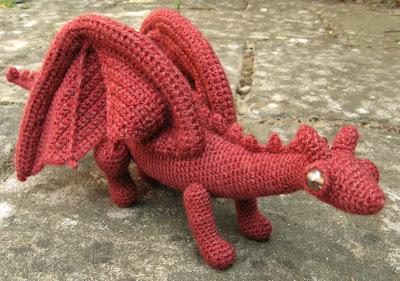 Amigurumi Inchworm - Media - Crochet Me