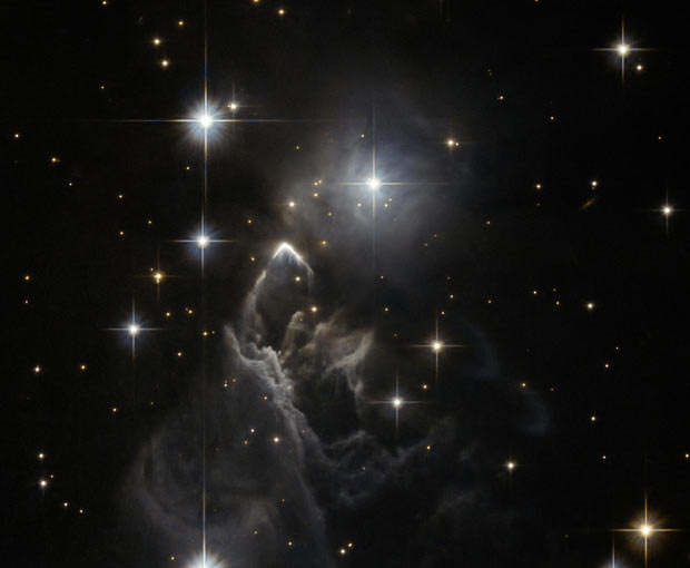 The Nebula IRAS 05437 2502 is seen in this Hubble Space Telescope