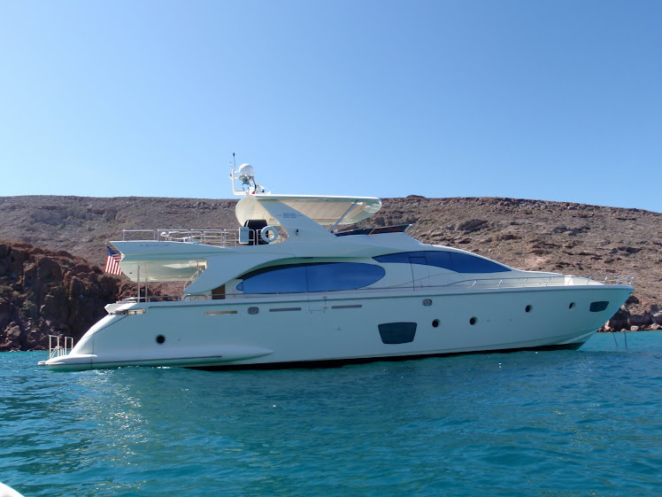 Azimut Yachts. 2009 Azimut 85 for Sale: 4 Cabins - Sleeps 8 and 2 Crew ...