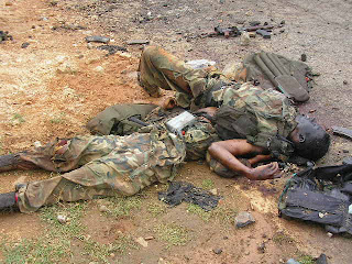 http://4.bp.blogspot.com/_o_s3GVdJCi8/Rx4Y1RFmjsI/AAAAAAAAADY/8YNW32WxHQ4/s320/sri+lankan+airbase+attack++ltte+dead+bodies8.jpg