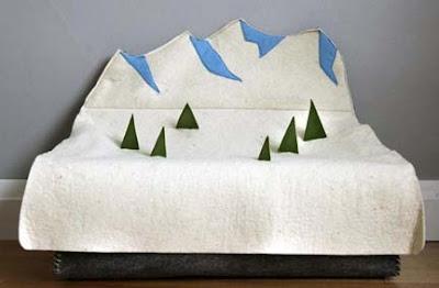 Wolli Snow Mountain Toy Box,