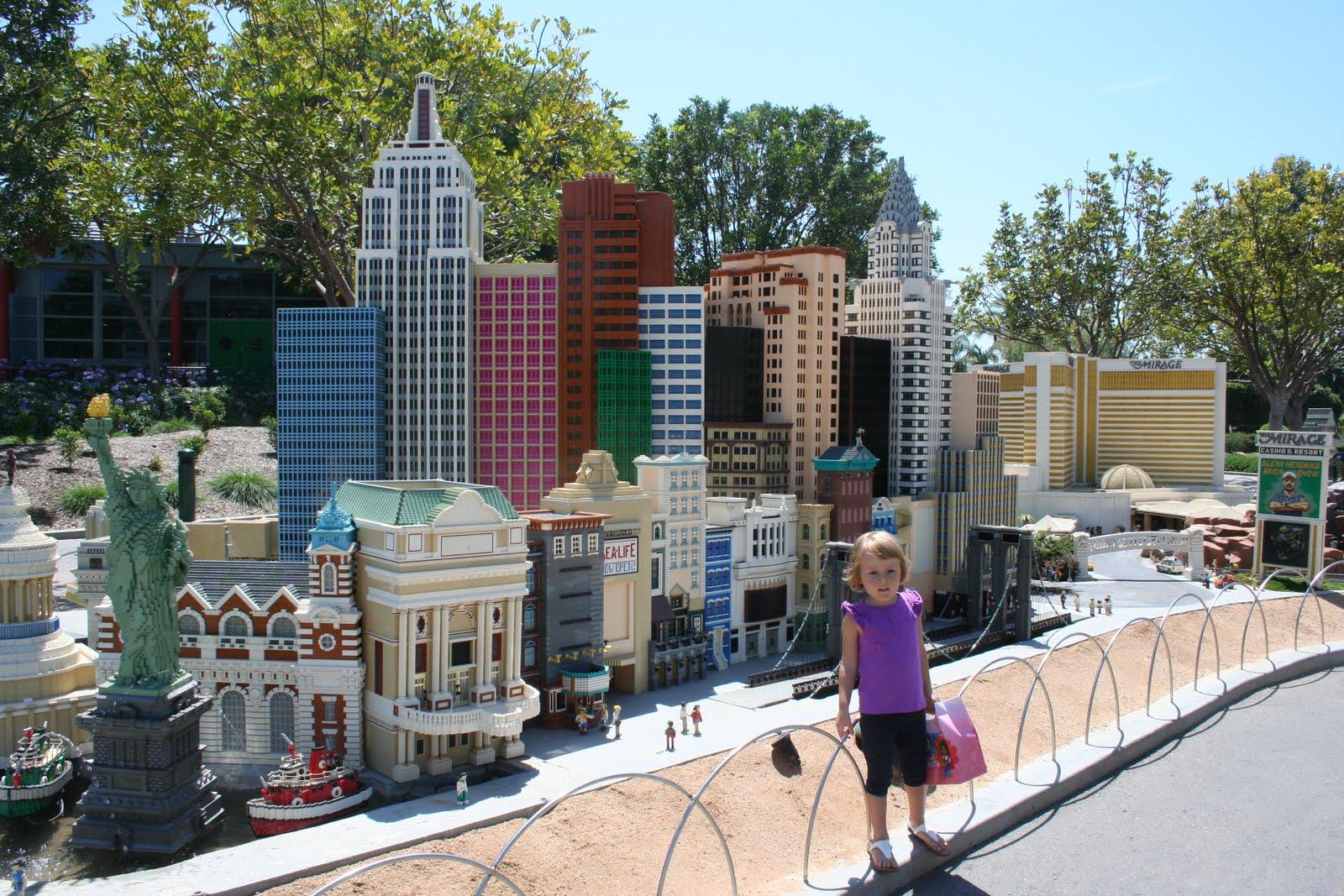La Story August 2010 Kaos Pria T Shirt Short Sleeve Sy761 Legoland California Resort Rocks Blocks And Water Slides For Families