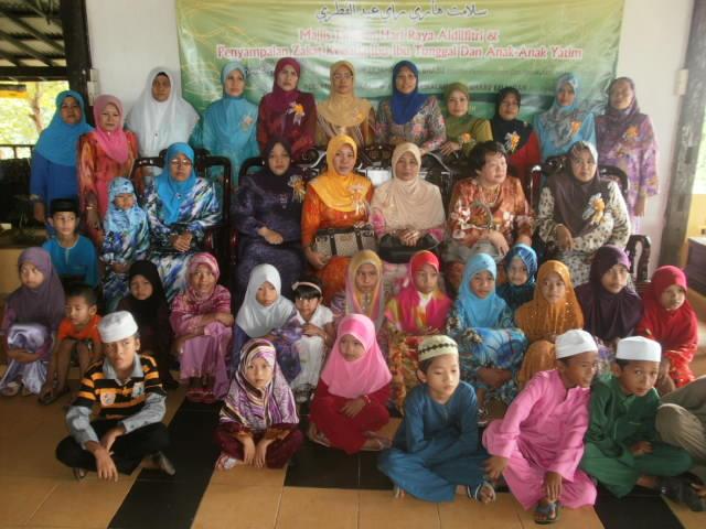 Pada 2 Oktober 2010 Majlis Jamuan Hari Raya Dan Penyampaian Zakat