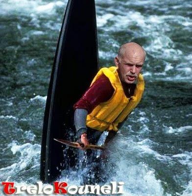 http://4.bp.blogspot.com/_oimhXGph82s/SmuE5Y8RBMI/AAAAAAAAAPk/dH5X-yv4RH4/s400/papadreou-canoe.jpg
