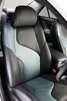 2009 Toyota HC-CV interior