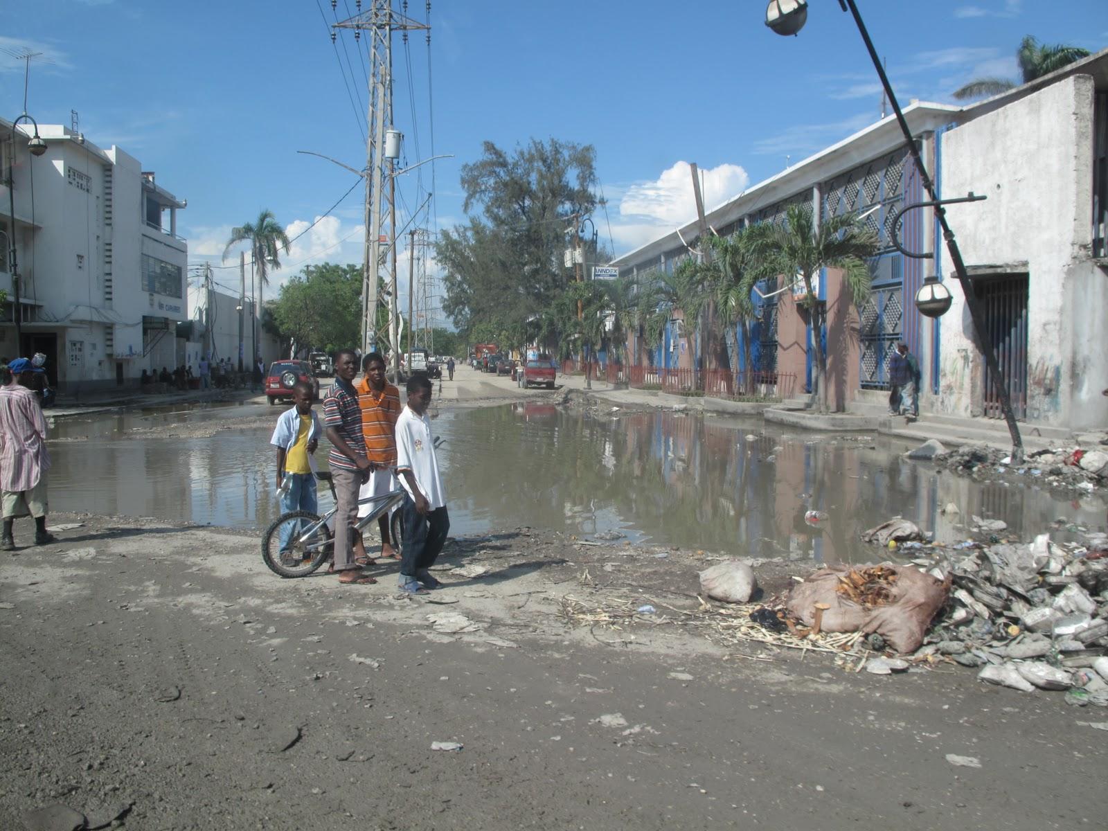Aparador Suspenso Mercado Livre ~ Reconstruindo o Haiti De perto parece ser pior